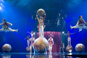 Le Cirque du Soleil au Vieux-Port en 2022)