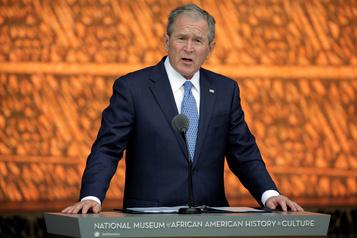 George W. Bush appelle l'Amérique à examiner ses «échecs tragiques»)
