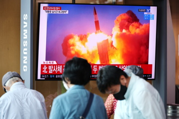 Essais balistiques Les deux Corées font des tirs de missiles le même jour)