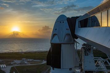 Météo plus favorable pour le lancement de la fusée habitée de SpaceX)