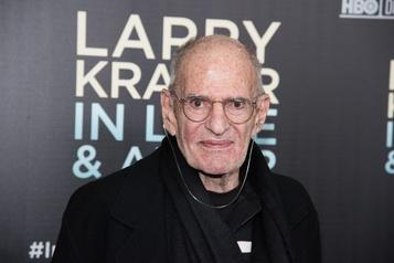 Mort de Larry Kramer, militant homosexuel et pionnier de la lutte contre le sida)
