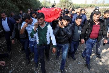 L'Azerbaïdjan accuse l'Arménie d'avoir tué 21civils dans une attaque de missiles)
