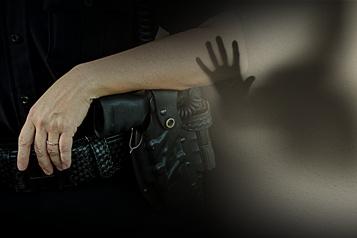 Une ex-policière accusée de maltraitance envers un homme vulnérable)