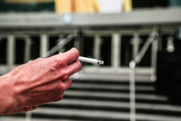 Le tabac peut aussi causer des cancers digestifs)