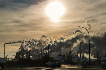 Crédits carbone Québec veut diminuer la «fuite de capitaux» vers la Californie)