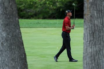 Tiger Woods à nouveau en difficulté au Memorial)