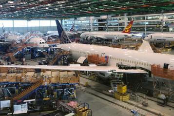 Boeing transfère la production du 787 en Caroline du Sud)