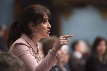 Commissions scolaires: Québec «centralise à outrance», dit le PQ