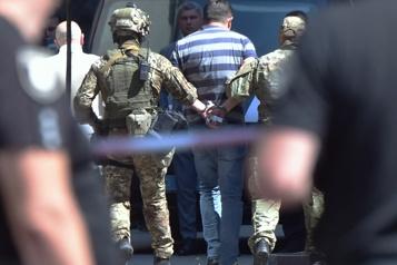 Ukraine Arrestation d'un forcené menaçant le siège du gouvernement)