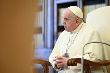 Le pape rend hommage au travail des médecins indiens)