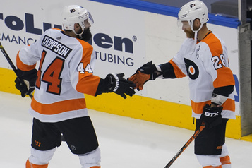 Canadien-Flyers: Nate Thompson, agent double)