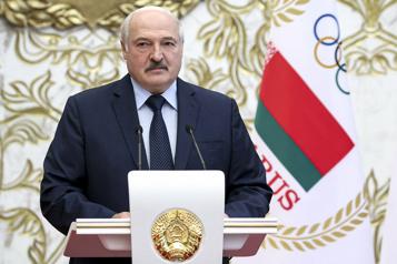 Élimination des oppositions La Biélorussie fait fermer des dizaines d'associations et d'ONG)