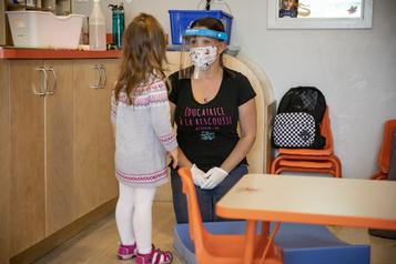 Des éducatrices en services de garde ne veulent plus de masque obligatoire)
