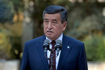 Kirghizstan Le président refuse de démissionner avant de nouvelles élections)