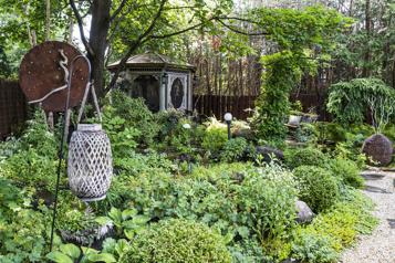 Bien dans son jardin Un jardin d'ombre en constante évolution )