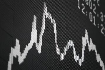 La planète économique: le monde croule sousles dettes