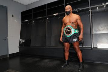 Boxe Quand Mike Tyson se fâche contre Russ Anber)