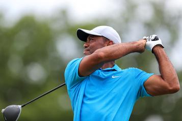 Tiger Woods à cinq coups du meneur à l'issue de la première ronde au Memorial)