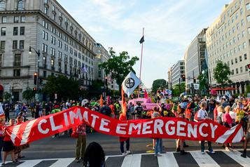 Des écologistes «bloquent» Washington pour la planète