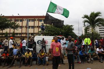 Nigeria Plusieurs morts après une manifestation dispersée par des tirs à Lagos)