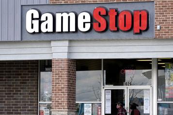 Jeux vidéo La chaîne de magasins GameStop sacrée à WallStreet malgré les doutes)