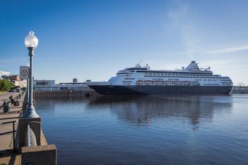 Les navires de croisière interdits au Canada jusqu'au 31octobre)