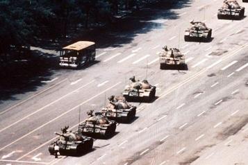 Décès du photographe de «l'homme au char» de Tiananmen, Charlie Cole