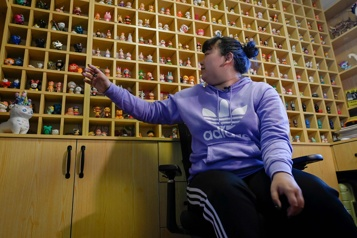 En Chine, les boîtes mystère s'arrachent à prix d'or)