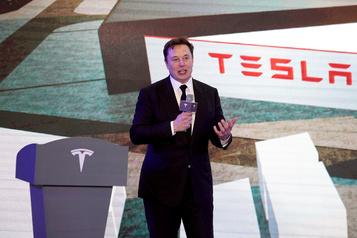 Tesla autorise Elon Musk à réclamer une paie de près de 775millions)