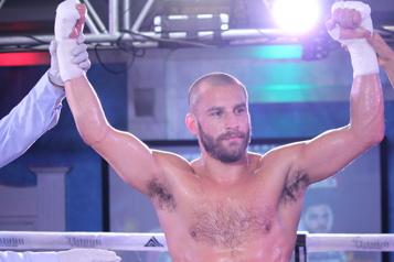 Boxe Lemieux s'emporte etl'emporte)