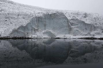 Réchauffement climatique: fonte de 51% des glaciers du Pérou en 50 ans)