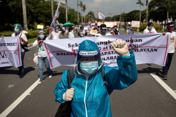 Philippines: «nous perdons la guerre contre la COVID-19», alertent les médecins)