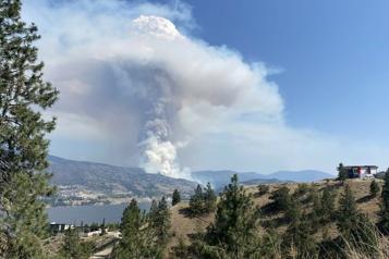 Colombie-Britannique Une centaine de nouveaux incendies se sont déclarés durant la dernière semaine)