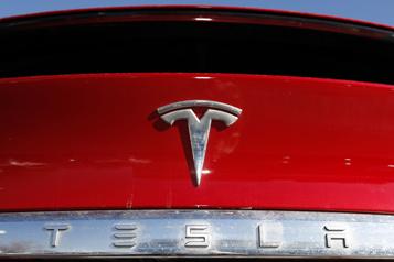Tesla prié de rappeler 158000voitures pour un défaut lié à la sécurité)