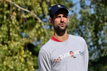 Novak Djokovic espère participer aux Internationaux d'Australie)