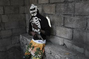 Violence des gangs criminels Médecins sans frontière quitte un quartier pauvre d'Haïti)