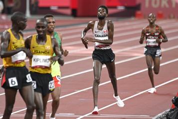 10000m Mohamed Ahmed termine au sixième rang )