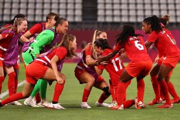 Soccer féminin Les Canadiennes battent les Américaines et joueront pour l'or)