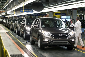 Les ventes des fabricants canadiens ont reculé à 56,4 milliards en décembre