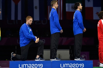 Sélections pour les Jeux de Tokyo Les athlètes américains autorisés à s'agenouiller ou à lever le poing)