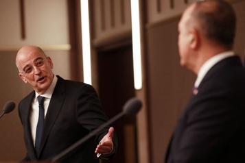 Débat peu diplomatique Accrochage verbal entre ministres turc et grec devant les médias)