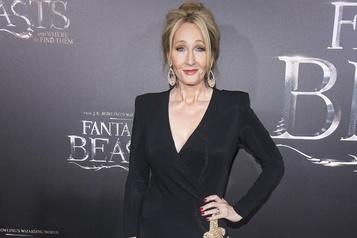 J. K. Rowling critiquée pour ses propos sur les transgenres)