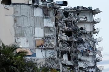 Un immeuble s'effondre en Floride: un mort confirmé, lourd bilan redouté)