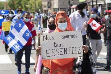 Résidence permanente  Des manifestants réclament un assouplissement du nouveau programme)