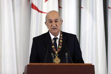 Le président algérien joue l'apaisement face à la crise politique)