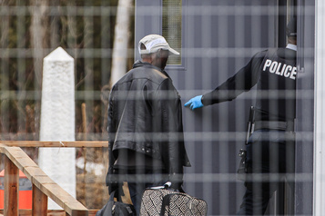 Le nombre de demandes d'asile continue d'augmenter au Canada)