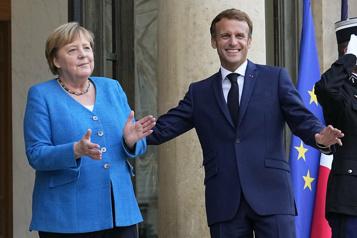 Macron reçoit Merkel avant l'adieu de la chancelière)