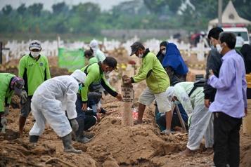 Bilan de la pandémie Plus de 4139000morts dans le monde)