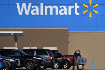 Les profits de Walmart reculent de 32 %)