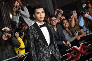 Soupçonné de viol L'arrestation en Chine de la star canadienne de la pop Kris Wu validée)